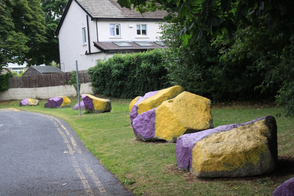 Rocks painted the Kilmacud Crokes colors on the way to their home pitch.